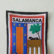 Coleccionismo: ESCUDO PARCHE BORDADO TELA FIELTRO SOUVENIR SALAMANCA CASTILLA LEÓN. Lote 179556608