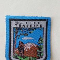 Coleccionismo: ESCUDO PARCHE BORDADO TELA FIELTRO SOUVENIR TEIDE TENERIFE ISLAS CANARIAS. Lote 179556828