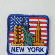 Coleccionismo: ESCUDO PARCHE BORDADO TELA FIELTRO SOUVENIR NEW NUEVA YORK ESTADOS UNIDOS AMÉRICA USA. Lote 179556993