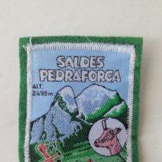 Coleccionismo: ESCUDO PARCHE TELA FIELTRO SALDES PEDRAFORCA (BARCELONA CATALUÑA CATALUNYA). Lote 179557122