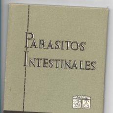 Coleccionismo: PARASITOS INTESTINALES, EDICIONES ROCHE, CARPETA COMPLETA CON 12 LAMINAS DIPTICOS.. Lote 180029400