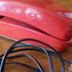 Coleccionismo: ANTIGUO TELEFONO GONDOLA ROJO. Lote 180045457