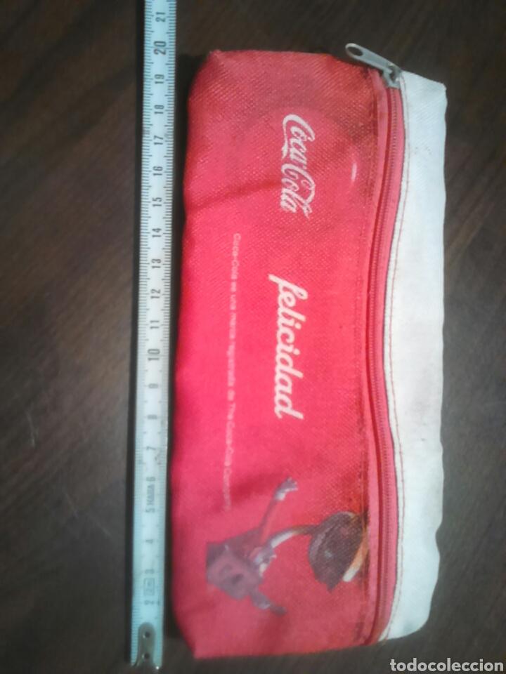 Coleccionismo: Viejo estuche de tela,marca coca-cola,felicidad,ideal coleccionista - Foto 2 - 183843375