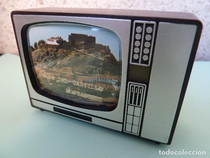 Coleccionismo: ANTIGUO VISOR DE IMAGENES FORMATO TV-VIRGEN DEL CASTILLO·MONTANCHEZ-(SOUVENIR) - Foto 2 - 187089855
