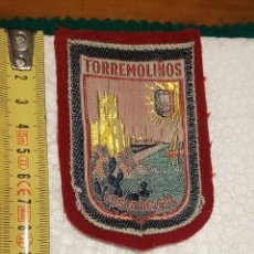 Coleccionismo: ESCUDO TELA TORREMOLINOS. Lote 189892248