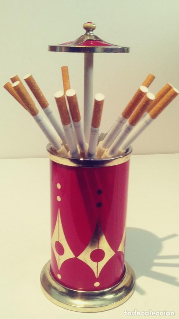 CIGARRERA DE ALUMINIO ROJA CON MUSICA (Coleccionismo - Objetos para Fumar - Otros)