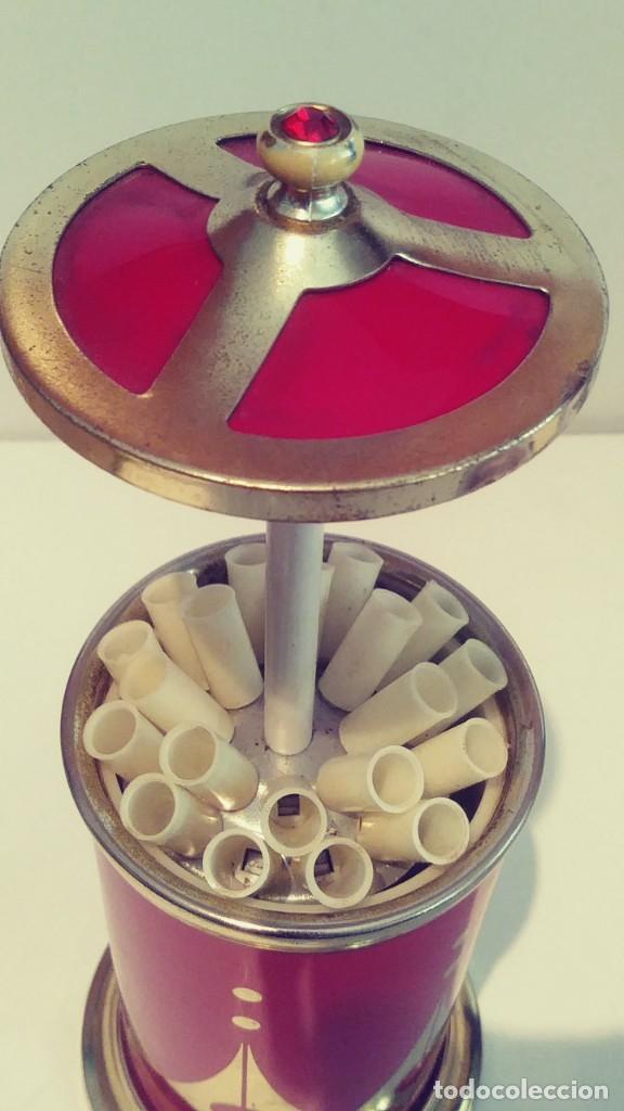 Coleccionismo: Cigarrera de aluminio roja con musica - Foto 8 - 190881621