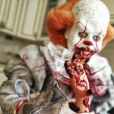 Coleccionismo: FIGURA DE PENNYWISE, IT, STEPHEN KING, HECHA A MANO. Lote 191248062