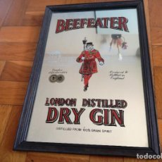 Collectionnisme: ESPEJO DE PUBLICIDAD BEEFEATER LONDON DISTILLED DRY GIN, CON MARCO. MEDIDAS: 32,5 X 22,5 CM.. Lote 191318322