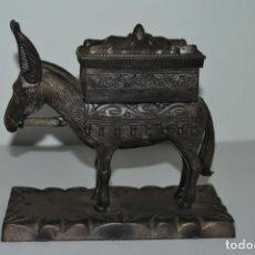 Coleccionismo: BURRO DISPENSADOR CIGARROS - TABAQUERA AÑOS 60-70 - CIGARRILLOS - TABACO. Lote 191332248