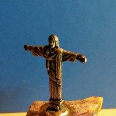 Coleccionismo: CRISTO SAO PAULO SOBRE PEDESTAL AMATISTA. Lote 194532153