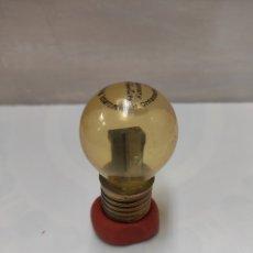 Coleccionismo: SACAPUNTAS BOMBILLA. Lote 194565940