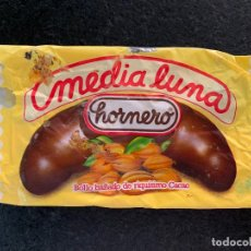 Coleccionismo: ANTIGUO ENVOLTORIO MEDIA LUNA CHOCOLATE . Lote 194889357