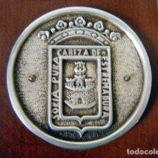 Coleccionismo: PISAPAPELES CONMEMORATIVO SORTEO LOTERÍA CRUZ ROJA AYTO. SORIA 1978. PLACA PLATA. . Lote 195202450