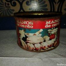 Coleccionismo: VIEJA LATA DE MANOS DE CERDO LOURIÑO PORRIÑO PONTEVEDRA. Lote 195240560