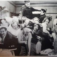 Coleccionismo: FOTO - EL CAMAROTE - DE LA PELÍCULA: UNA NOCHE EN LA ÓPERA DE LOS HERMANOS MARX 90CM X 65CM. Lote 195323530