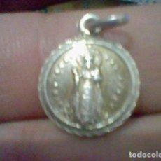 Coleccionismo: VIRGEN ACEBO NTRA SRA DORSO JESUS MEDALLA 1,5 CMS ALTO. Lote 195329886