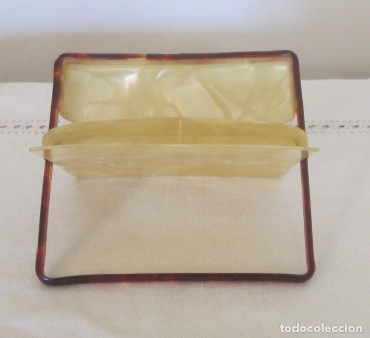 Coleccionismo: Preciosa antigua pitillera en pasta dura, imitando carey. Para cigarrillos cortos - Foto 3 - 197060480