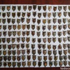 Coleccionismo: LOTE DE 445 MEDALLAS RUEGA POR NOSOTROS. Lote 201348963