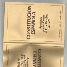 Coleccionismo: LIBRETO DE LA CONSTITUCION ESPAÑOLA APROBADA POR LAS CORTES 31 OCTUBRE 1978- CASTELLANO Y CATALAN. Lote 201598911