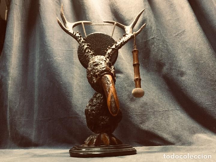 Coleccionismo: antiguo gong de mesa base jacaranda bambu semilla ojos vidrio asta ciervo pajaro 45x28x25cms - Foto 3 - 202579898