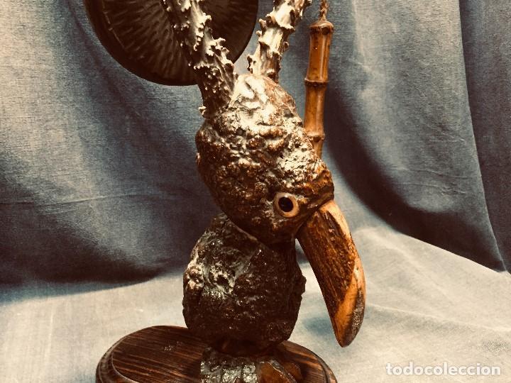 Coleccionismo: antiguo gong de mesa base jacaranda bambu semilla ojos vidrio asta ciervo pajaro 45x28x25cms - Foto 4 - 202579898