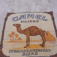 Coleccionismo: PAÑUELO DE CUELLO DE CIGARRILLOS CAMEL. Lote 202764402