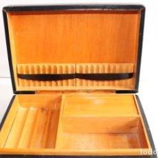 Coleccionismo: BONITA ANTIGUA CAJA DE FUMADOR PUROS Y CIGARRILLOS CON MECANISMO MUSICAL. Lote 203833257