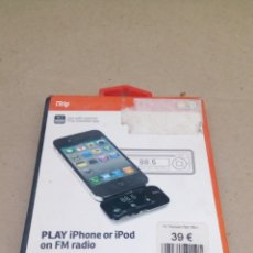 Coleccionismo: PLAY IPHONE OR IPOD ON FM RADIO. Lote 205270477