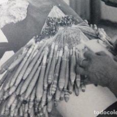 Coleccionismo: ALMAGRO CIUDAD REAL BOLILLOS ANTIGUA LAMINA HUECOGRABADO AÑOS 50. Lote 205599175