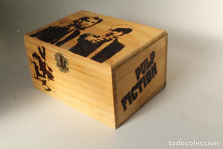Coleccionismo: caja madera pirograbada pulp fiction - Foto 3 - 205880415