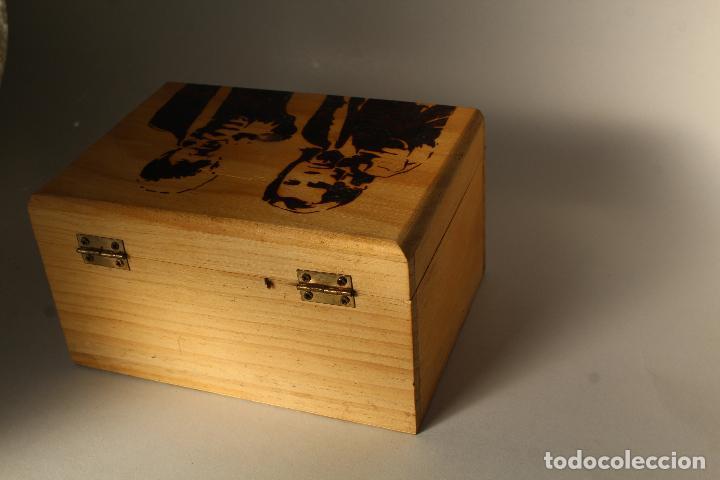 Coleccionismo: caja madera pirograbada pulp fiction - Foto 4 - 205880415