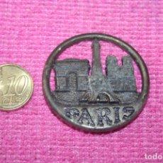 Coleccionismo: PARÍS (FRANCIA) * PIEZA REDONDA RETRO MINI METAL * IMÁN CIUDAD EUROPEA * TENGO OTROS DIFERENTES. Lote 207120108