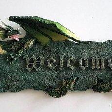 Coleccionismo: WELCOME PLACA COLGAR RESINA DRAGON. Lote 207473836