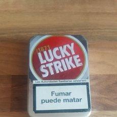 Coleccionismo: PITILLERA LUCKY STRIKE Y DOS PAQUETES DE PAPEL DE LIAR SMOKING Y PAY PAY. Lote 209580663