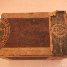 Coleccionismo: CAJA ANTIGUA DE PUROS VACIA.1938. Lote 209793422