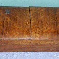 Coleccionismo: ANTIGUA CAJA DE TABACO PARA PUROS - CIGARRILLOS DE MADERA DE NOGAL CON DEPARTAMENTOS MITAD SIGLO XX. Lote 212005707