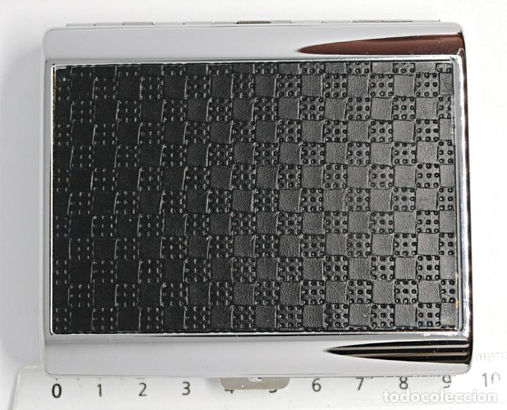 Coleccionismo: PITILLERA DE METAL CROMADO. 9,4 X 7,8 CM. CABEN LOS CIGARRILOS ACTUALES. SIN USO. VER FOTOS Y DECRIP - Foto 10 - 213256971