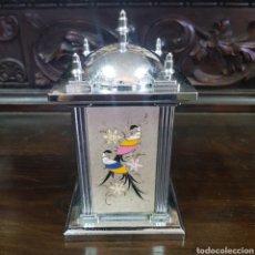 Coleccionismo: CIGARRERA PITILLERA DE SOBREMESA VINTAGE CON CAJA DE MUSICA MELODIA LOVE STORY. Lote 214826597