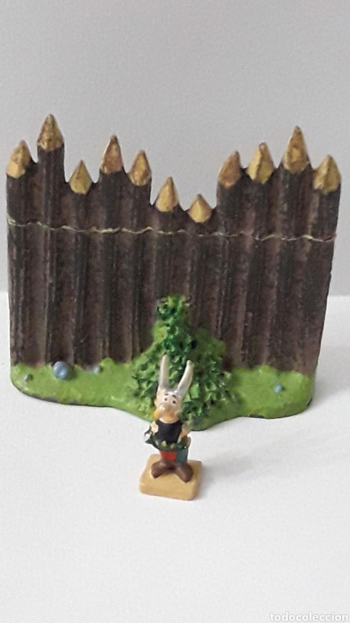 Coleccionismo: Miniatura en plomo pintado de Asterix y Obelix. Marcaven base. - Foto 2 - 214833782