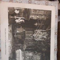 Coleccionismo: LAMINA ÉPOCA VISITA GENERALÍSIMO FRANCISCO FRANCO A SANTIAGO ARTE BILBAO FOTO ALMEIDA SANTIAGO 50X4. Lote 217690651