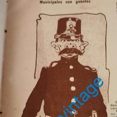 Coleccionismo: SEVILLA, 1902, MUNICIPALES CON GUANTES, 9X30 CM. Lote 217887502