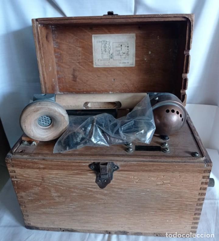 ANTIGUO TELEFONO DE CAMPAÑA O CELADOR STANDAR ELECTRICA. MADRID. FABRICADO EN ESPAÑA AÑO 1920 (Coleccionismo - Varios)
