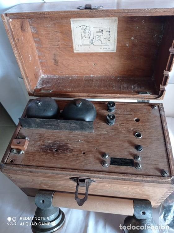 Coleccionismo: Antiguo telefono de campaña o celador standar electrica. madrid. fabricado en españa año 1920 - Foto 3 - 218472627