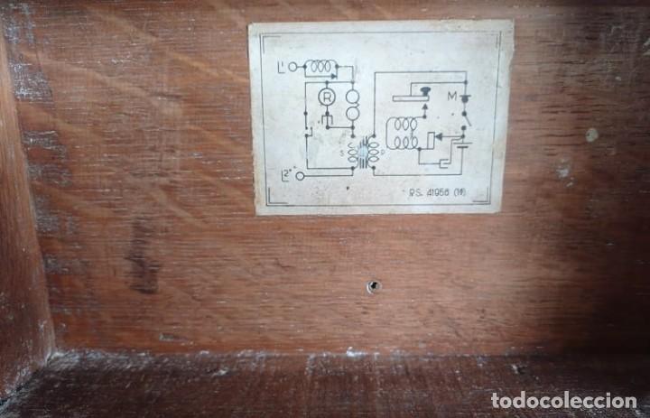 Coleccionismo: Antiguo telefono de campaña o celador standar electrica. madrid. fabricado en españa año 1920 - Foto 4 - 218472627