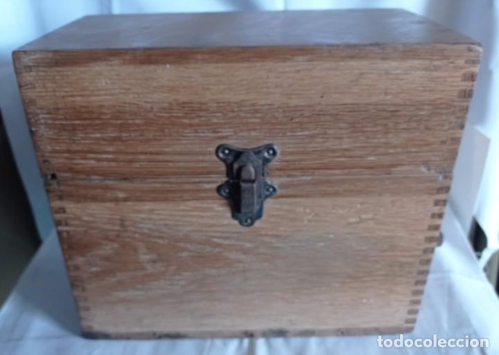 Coleccionismo: Antiguo telefono de campaña o celador standar electrica. madrid. fabricado en españa año 1920 - Foto 8 - 218472627