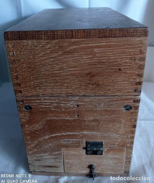 Coleccionismo: Antiguo telefono de campaña o celador standar electrica. madrid. fabricado en españa año 1920 - Foto 9 - 218472627