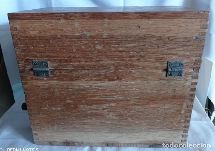 Coleccionismo: Antiguo telefono de campaña o celador standar electrica. madrid. fabricado en españa año 1920 - Foto 10 - 218472627