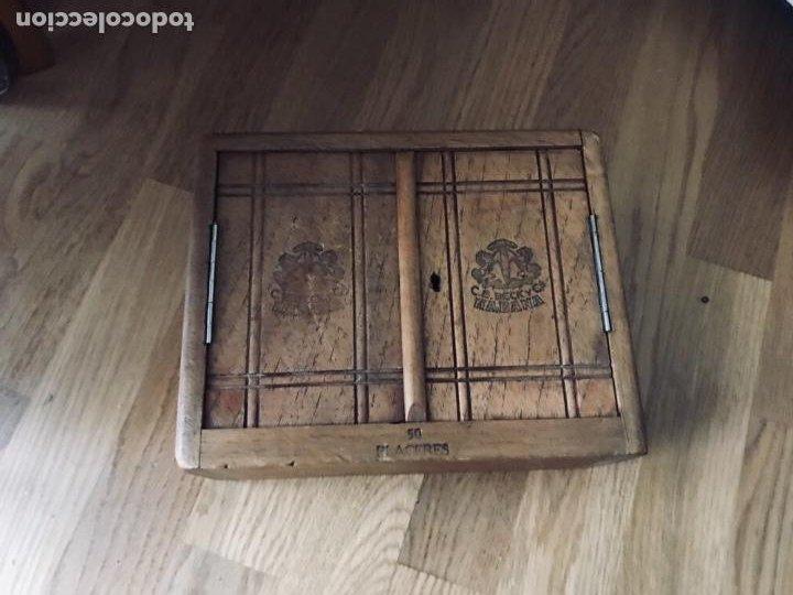 Coleccionismo: Magnifica y muy antigua caja de habanos (preembargo) C.E. Beck y Cia, 50 Placeres,vacia CON SU LLAVE - Foto 2 - 220548101