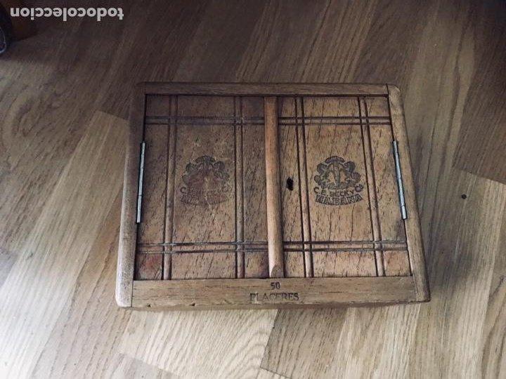 Coleccionismo: Magnifica y muy antigua caja de habanos (preembargo) C.E. Beck y Cia, 50 Placeres,vacia CON SU LLAVE - Foto 3 - 220548101